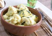 Coliflower & Potatoes Curry