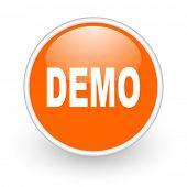 icono de web brillante demostración círculo naranja sobre fondo blanco