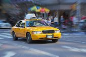pic of cabs  - Yellow cab in New York street - JPG