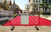 foto of no entry  - no entry sign in front of a red carpet - JPG