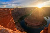 picture of horseshoe  - Amazing Vista of Horseshoe Bend in Page Arizona - JPG