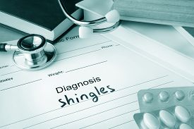 foto of shingles  - Diagnostic form with diagnosis shingles and pills - JPG