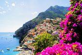 Costa na Itália de Amalfi