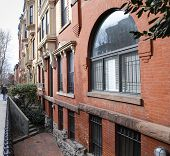 pic of brownstone  - Views of classic brownstones - JPG