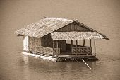 pic of houseboats  - The bamboo houseboat floating in the river