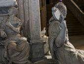 statue of queen Anne de Bretagne in  basilica of saint-denis