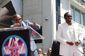 LOS ANGELES - MAY 2: Jamie Foxx and Sean 'P Diddy' Combs at the ceremony honoring him with a star on