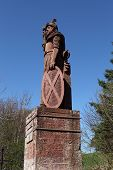 picture of braveheart  - The famous Dryburgh monument to William  - JPG