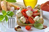 Gefüllte Ciabatta-Brot