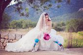 picture of runaway  - young fashion jilted runaway bride - JPG