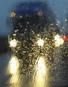 camion en la lluvia