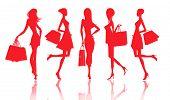Siluetas de mujeres con compras