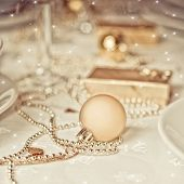 foto of christmas dinner  - Gold Christmas table setting - JPG