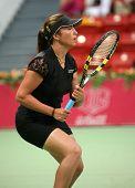 Araval Radwanska Frankreichs während ihr Spiel gegen Patty Schneider bei der Qatar Total open, 20. Februar