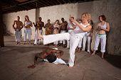 Chute frontal de capoeira
