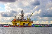 foto of big-rig  - Oil rig in the Norwegian port of Sandnes - JPG