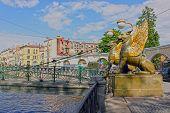 Bank-Brücke in Sankt Petersburg, Russland. HDR