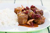 Caldeirada de rabo de boi com arroz e legumes