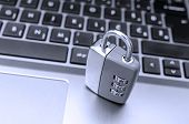 Proteção contra pirataria na Internet