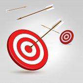 Bogenschießen-Ziele mit fliegenden Pfeile um