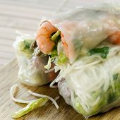 Rice paper rolls with shrimp and beanshoots.