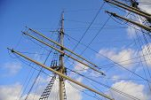 foto of tall ship  - Close - JPG