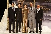 BERLIN, GERMANY - NOV 16: KRISTEN STEWART, ROBERT PATTINSON, TAYLOR LAUTNER, BILL CONDON, WYCK GODFR