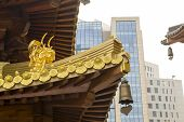 Jing An Temple Golden Dragon Heads