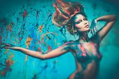 pic of diva  - Young woman muse with creative body art and hairdo  - JPG