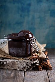 pic of cardamom  - Spicy chocolate sorbet in a jar with cinnamon and cardamom - JPG