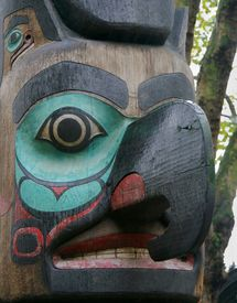 foto of tlingit  - a totem pole in pioneer square in seattle washington - JPG