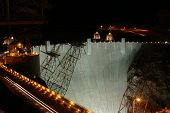 picture of damme  - A shot of the Hoover Dam at nighttime - JPG