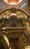 Постер, плакат: Золотая дверь церкви монастырь Санта Клара Керетаро Мексика