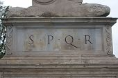 pic of spqr  - A statue with the famous SPQR  - JPG
