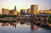 foto of charter oak park  - Skyline of downtown Hartford - JPG