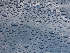 foto of car wash  - drops on blue car - JPG