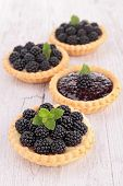 blackberries tart