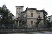 pic of spooky  - A spooky hallowen horror house Italy city - JPG