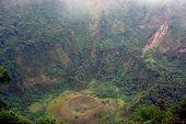 San Salvador, El Boqueron - cráter de volcán grande