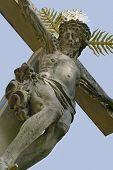 Kruzifix auf einem alten Friedhof In Freiburg