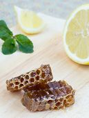 Honeycomb, Lemon And Peppermint