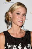 LOS ANGELES - SEP 20:  Julie Bowen at the Emmys Performers Nominee Reception at  Pacific Design Cent