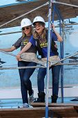 LOS ANGELES - MAR 8:  Kelly Sullivan, Lisa LoCicero at the 5th Annual General Hospital Habitat for H