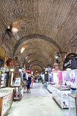Kizlaragasi Bazaar
