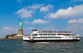 Statue Cruises And Statue Of Liberty