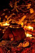 Kalebass to mate with burning candles