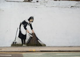 pic of street-art  - Satirical grafitti in a street of london - JPG