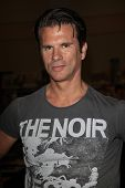 BURBANK, CA - APR 22: Lorenzo Lamas at The Hollywood Show held at Burbank Airport Marriott on April