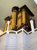pic of paul revere  - vintage organ in a the paul revere memorial  - JPG
