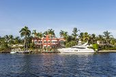 Luxurious Waterfront Home In Fort Lauderdale